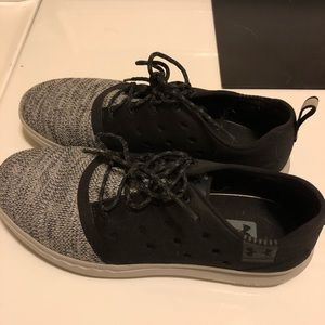 Under armor casual shoes
